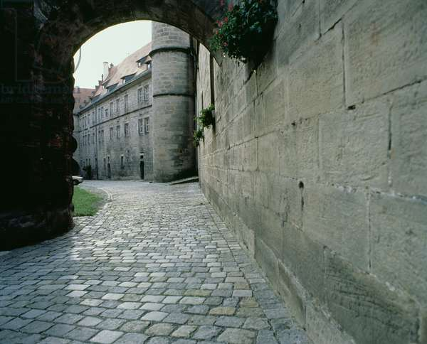 View of the courtyard of the Rosenberg Fort, where Charles de Gaulle was interned in July 1917, Kronach, Bavaria, Germany (photo)