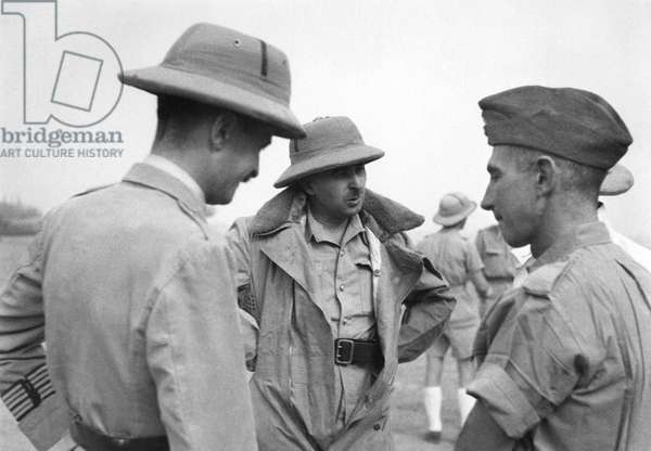 Free France in French Equatorial Africa, Colonel Jacques Leclerc (1902-47) and Colonel de Larminat at Fort Lamy, 1940 (b/w photo)