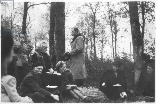 General Charles de Gaulle (1890-1970) hunting at Septfontaines, Bois du Mellier, 1946 (b/w photo)