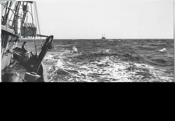 Leaving La Trinite-sur-Mer on board the 'Rosbraz', 18th June 1940 (b/w photo)