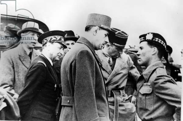 General de Gaulle in Courceulles with General Bethouard, Admiral Thierry Argenlieu, Ambassador Vienot, Captain Leo Teyssot and Major Henderson, 14 June 1944 (b/w photo)