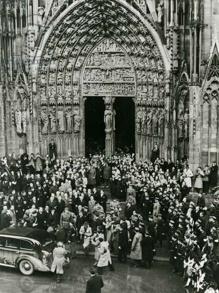 Ceremony, Strasbourg Cathedral, 1947 (b/w photo)