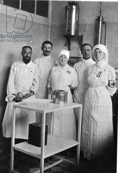 A group of nurses including Marguerite Vendroux at a military hospital in Calais, 1915-16 (b/w photo)