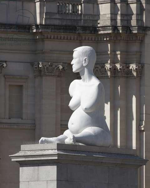 'Alison Lapper Pregnant' by Marc Quinn (photo)