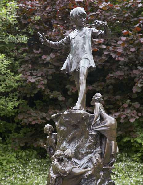 Peter Pan by George Frampton (photo)