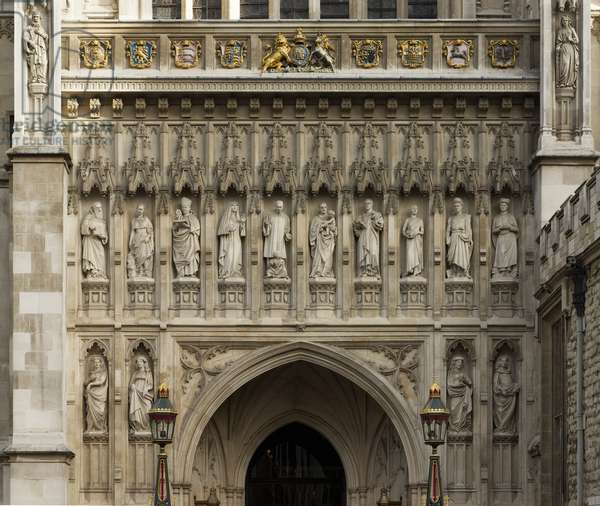View of the ten 'modern martyrs' by Tim Crawley, above the main west entrance of Westminster Abbey (photo)
