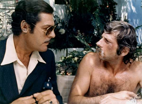 Marcello Mastroianni and Roman Polanski WHAT ? / QUOI ?, 1973 directed by ROMAN POLANSKI (photo)