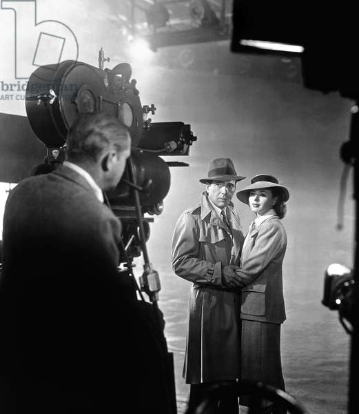 On The Set, Humphrey Bogart And Ingrid Bergman, Casablanca 1943 Directed By Michael Curtiz