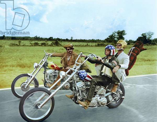 Easy Rider by DennisHopper with Dennis Hopper, Peter Fonda and Jack Nickolson, 1969 (motos Harley Davidson) (photo)