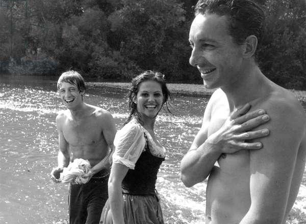 On The Set, Jean-Paul Belmondo, Claudia Cardinale And Philippe De Broca (Director)., Cartouche 1962 Directed By Philippe De Broca