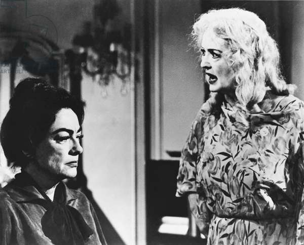 Medium Shot Of Joan Crawford As Blanche Hudson Listening To Bette Davis As Jane Hudson, What Ever Happened To Baby Jane ? Directed By Robert Aldrich