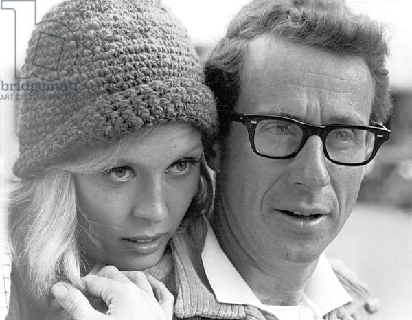 On The Set, Faye Dunaway And The Director Arthur Penn., Bonnie And Clyde 1967 Directed By Arthur Penn
