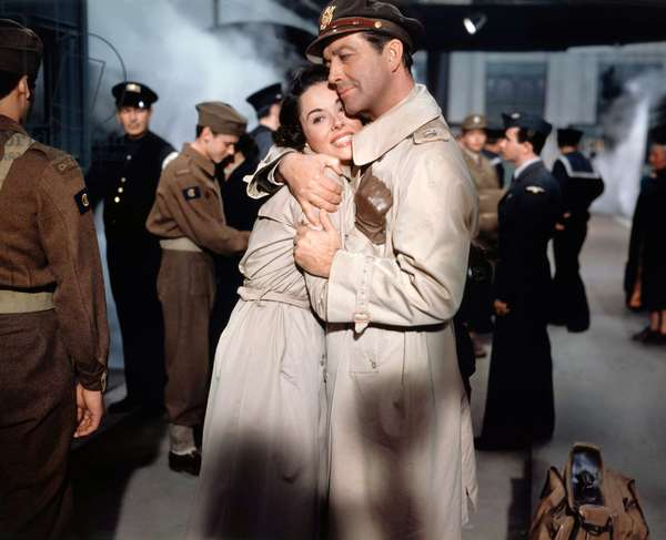 Dana Wynter And Robert Taylor, D-Day The Sixth Of June 1956 Directed By Henry Koster