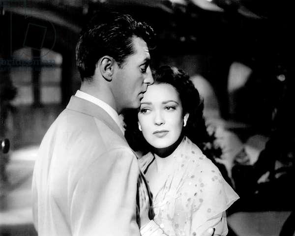 Robert Mitchum And Linda Darnell