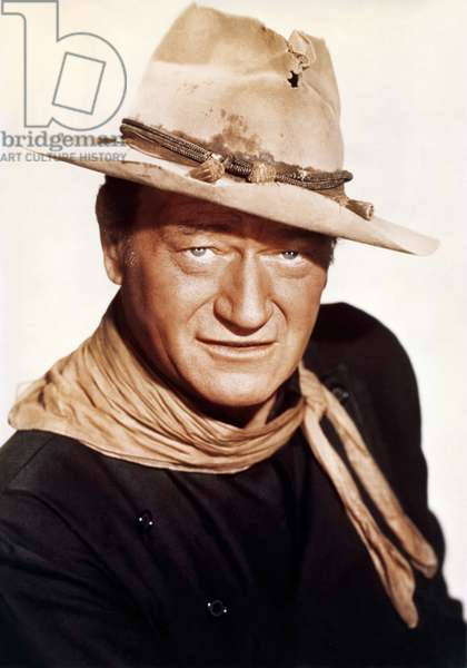 THE MAN WHO SHOT LIBERTY VALANCE, 1962 directed by JOHN FORD John Wayne (photo)