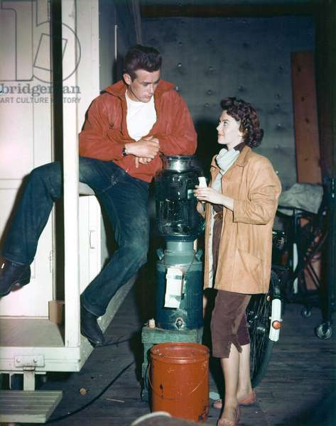 On The Set James Dean With Natalie Wood.