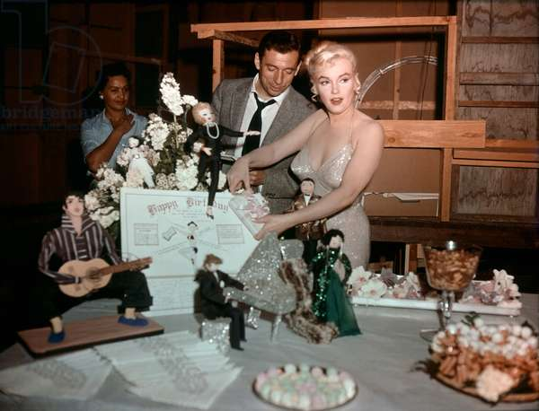 On The Set, Yves Montand And Marilyn Monroe