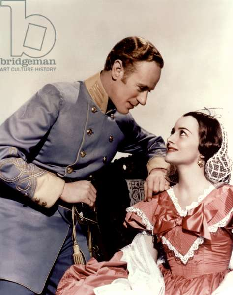 Leslie Howard And Olivia De Havilland