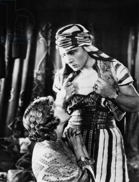 Vilma Banky And Rudolph Valentino