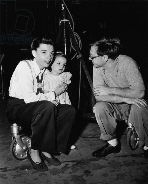 On The Set, Judy Garland With His Daughter Liza And Mickey Rooney, In The Good Old Summertime 1949 Directed By Robert Z. Leonard