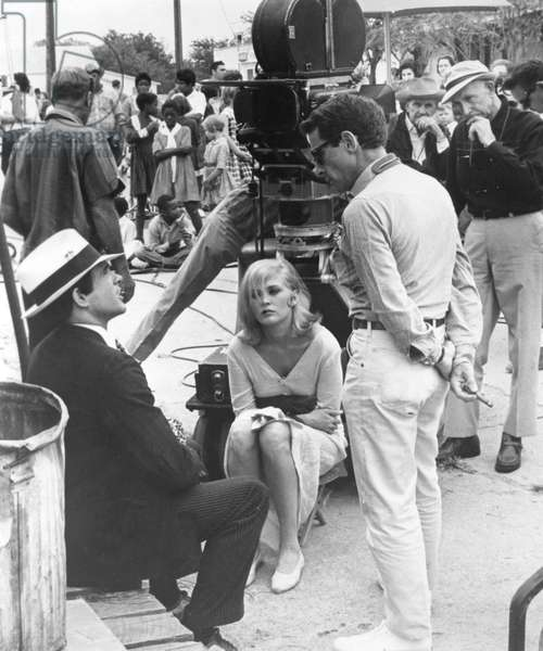 On The Set, Arthur Penn With Warren Beatty And Faye Dunaway., Bonnie And Clyde 1967 Directed By Arthur Penn