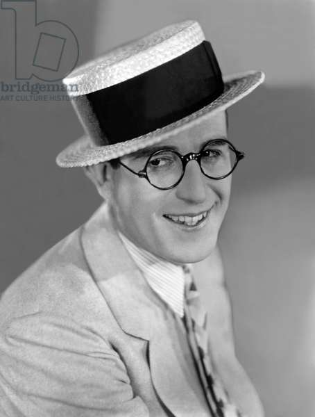 Harold Lloyd (1893- 1971) acteur america vers, 1924 --- Harold Lloyd (1893- 1971) american actor, c. 1924 (b/w photo)
