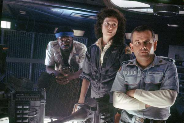 Yaphet Kotto, Sigourney Weaver And Ian Holm., Alien 1979 Directed By Ridley Scott