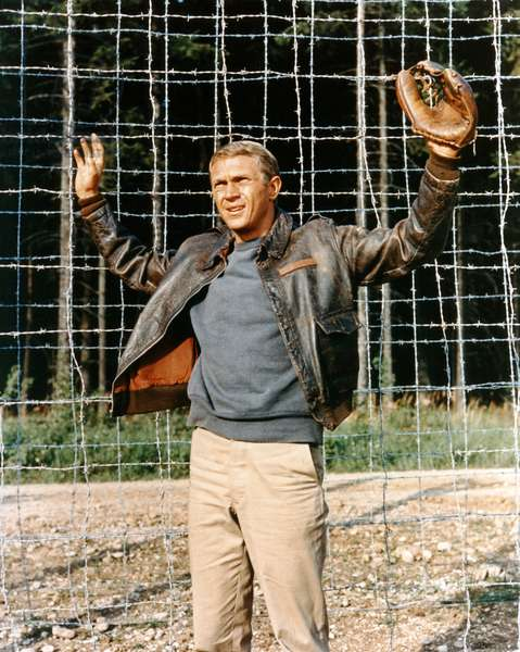 THE GREAT ESCAPE, 1963 directed by JOHN STURGES Steve McQueen (photo)