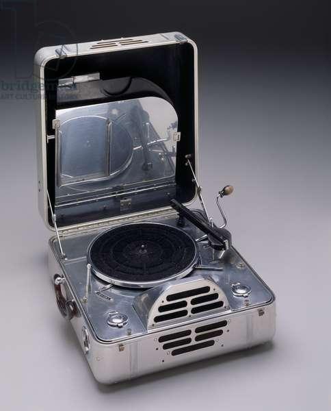 """""""RCA Victor Special"""" model phonograph, designed c.1937 (aluminium & various materials)"""
