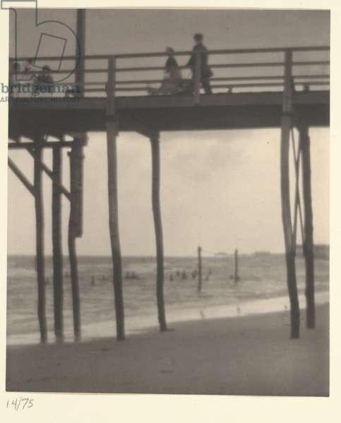 Arverne, Low Tide, 1912 (platinum print)