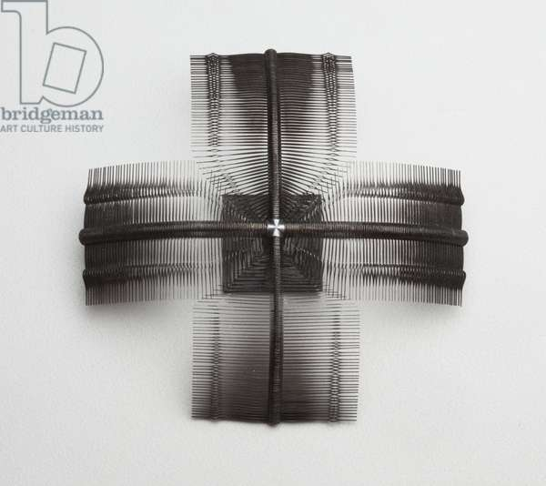 """""""Intersection"""" brooch, 2007 (watch hands and oxidized silver)"""