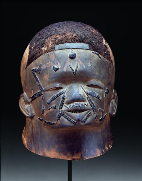 Helmet mask (muti wa lipiko), before 1914 (wood, beeswax, human hair, and pigment)