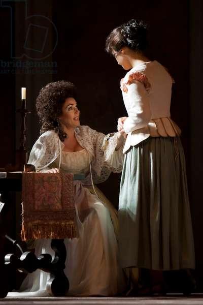 Olga Peretyatko as Susanna and Yolanda Auyanet as Countess Almaviva (photo)