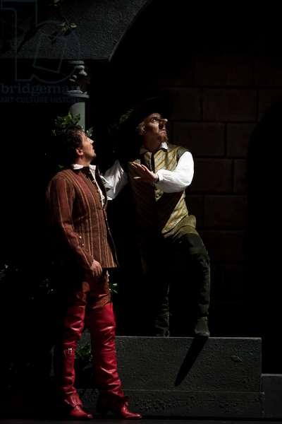 Roberto Alagna as Cyrano and Jorge de León as Christian de Neuvi (photo)