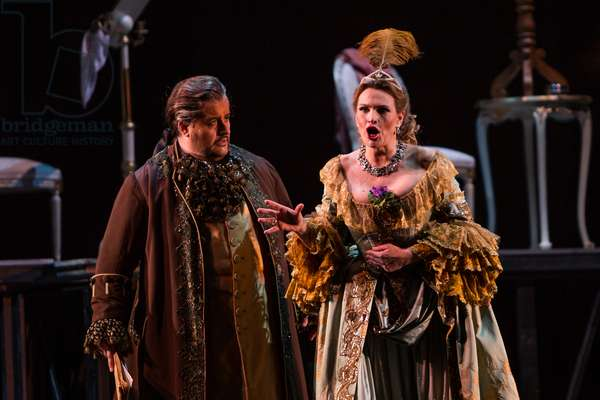 Ainoha Arteta as Adriana and Luis Cansino as Michonnet in the opera 'Adriana Lecouvreur', at the Teatro de la Maestranza, Seville, May 2018 (photo)
