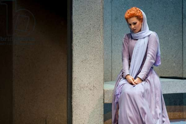Julia Bauer as Aminta in Die Schweigsame Frau (photo)
