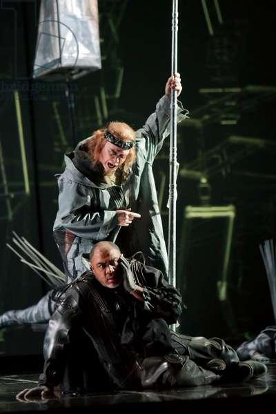 Alan Held as Wotan and Gordon Hawkins as Alberich (photo)