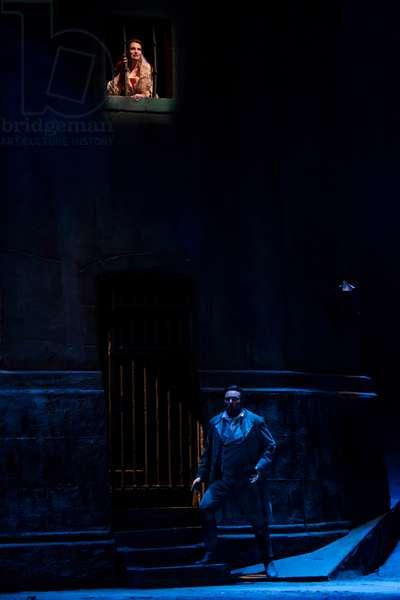Ainhoa Arteta as Manon and Walter Fraccaro as Des Grieux (photo)