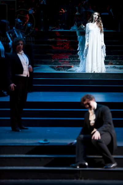 La Traviata conducted by Andrea Licata (photo)