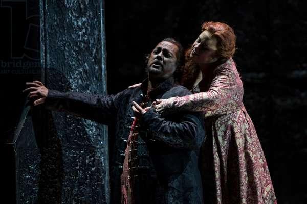 Gregory Kunde as Otello and Julianna di Giacomo as Desdemona (photo)