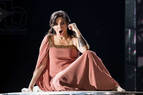Nancy Fabiola Herrera as Dalila in the opera 'Samson et Dalila', at the Teatro de la Maestranza, Seville, November 2019 (photo)