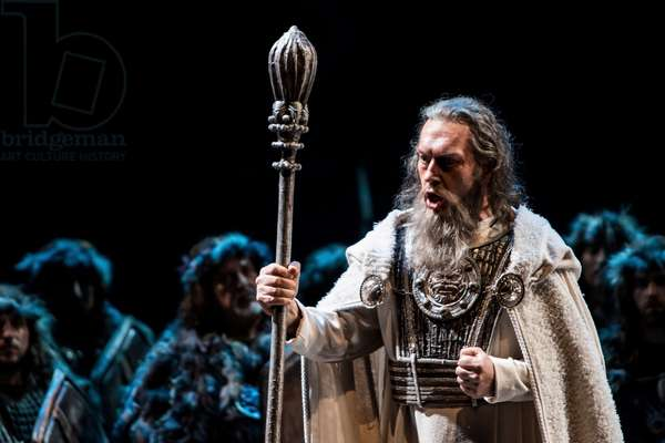 Ruben Amoretti as Oroveso (photo)