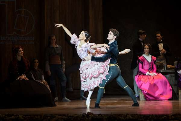 Cristina Casa as Giselle and Yanier Gomez as Albrecht, Teatro de la Maestranza, Seville, Spain, 2021 (photo)