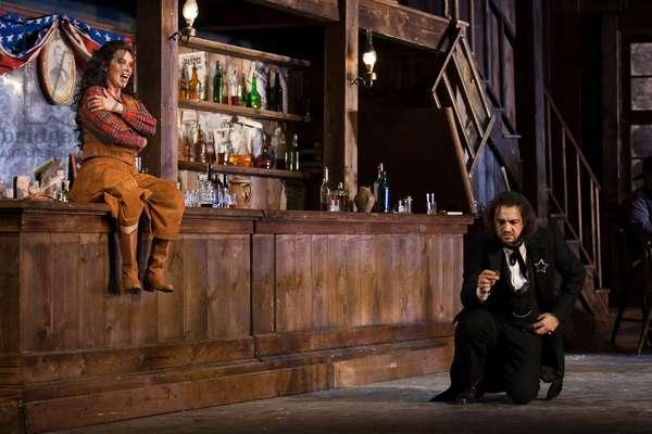 Janice Baird as Minnie and Claudio Sgura as Jack Range (photo)