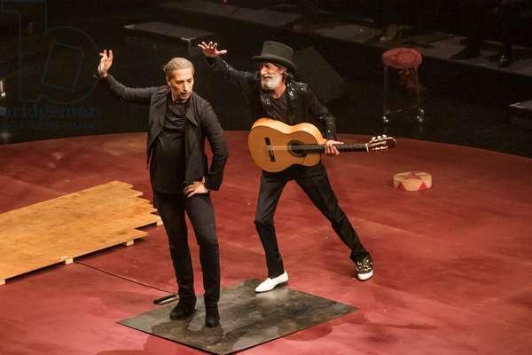 Israel Galván performing Gatomaquia, Teatro Central, Seville, Spain, 2020 (photo)