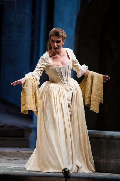 Ainhoa Arteta as Manon (photo)