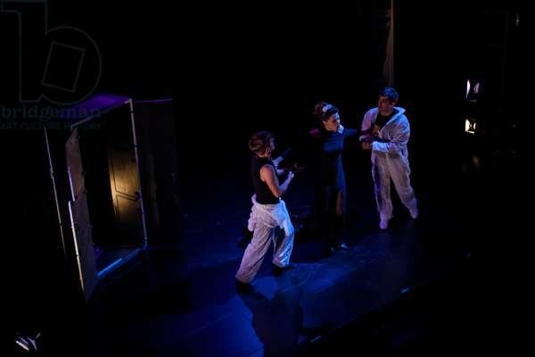 Compania Dei Furbi performs The Magic Flute (photo)