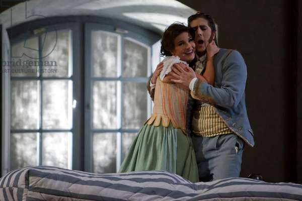 Roberto Tagliavini as Figaro and Olga Peretyatko as Susanna (photo)