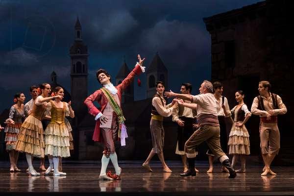 Dancers as Camacho and Quiteria (photo)