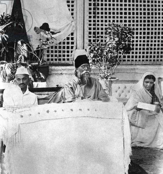 Gandhi at the reception given to poet Rabindranath Tagore at Ahmedabad, Gujarat, India, April 1920 (b/w photo)